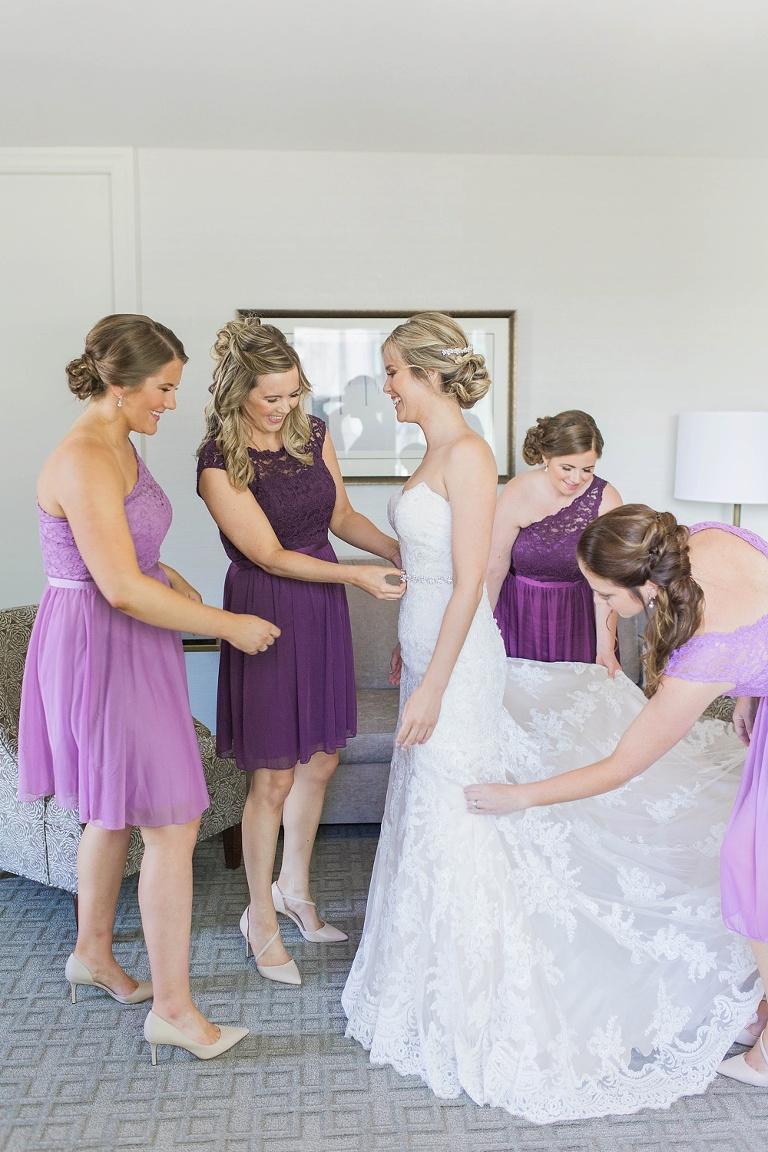 Shaw Centre Ottawa Wedding - Bride getting ready the Lord Elgin Hotel downtown