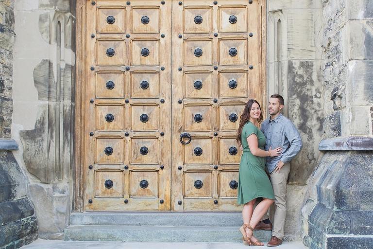 Downtown Ottawa couple session - summer photos around Ottawa